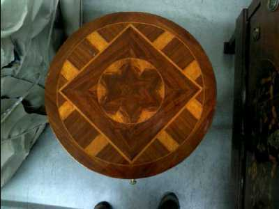 Petit meuble rond marqueterie 1 tiroir ht 72 cm diam 44 cm for Petit meuble rond