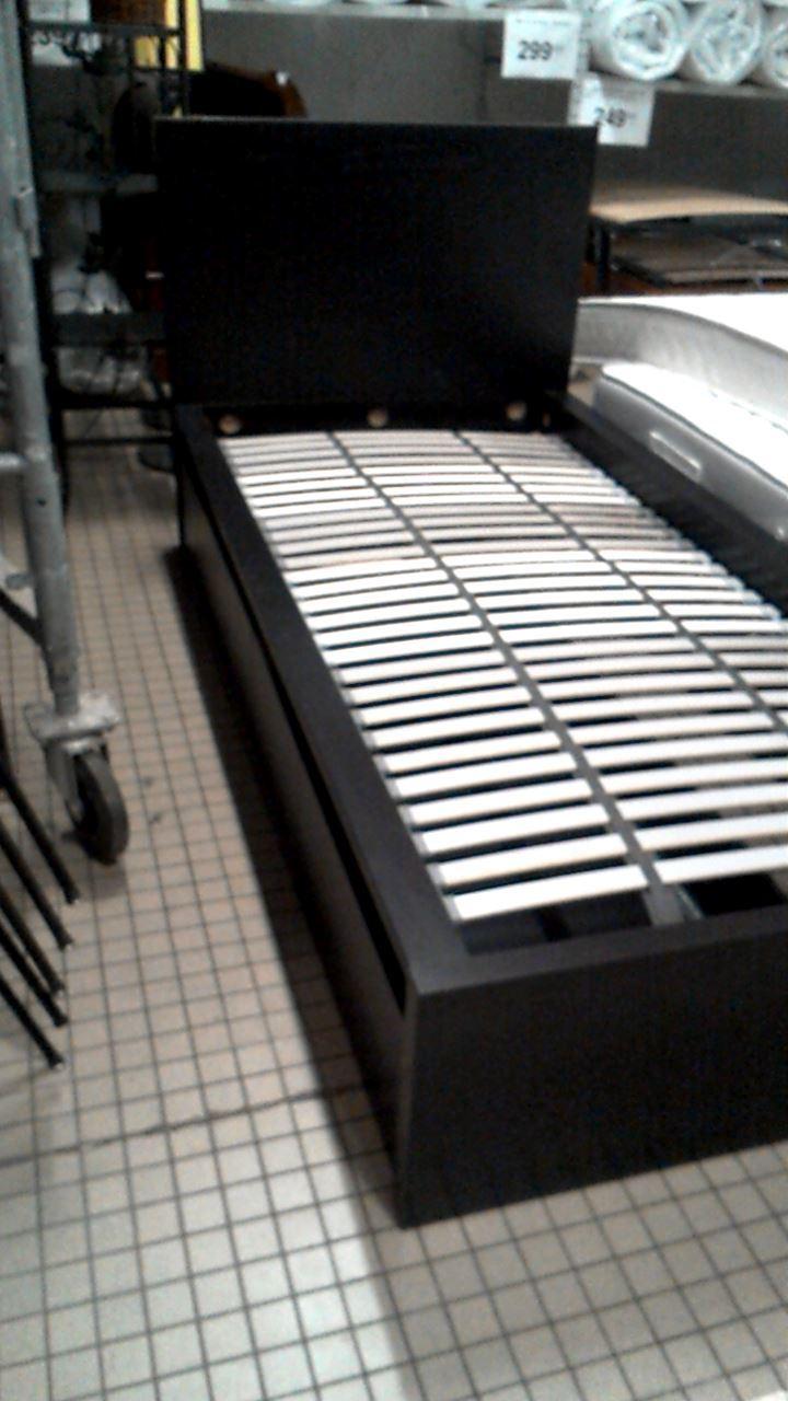 lit 90x190 avec sommier et tiroirs d 39 occasion. Black Bedroom Furniture Sets. Home Design Ideas
